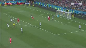 Russia 2018, le analisi delle partite del 27 giugno, male Lichtsteiner
