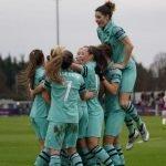 WSL, Lia Wälti si aggiudica il derby svizzero d'Oltremanica con Alisha Lehmann