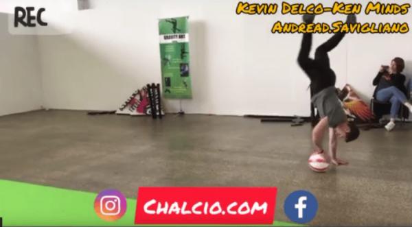 Calcio freestyle allo stand di Chalcio.com alle Fiera Tisana di Lugano (video)