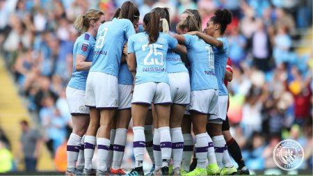 FA WSL, il Manchester City si prepara alla sfida europea con il Lugano vincendo il primo derby cittadino della storia