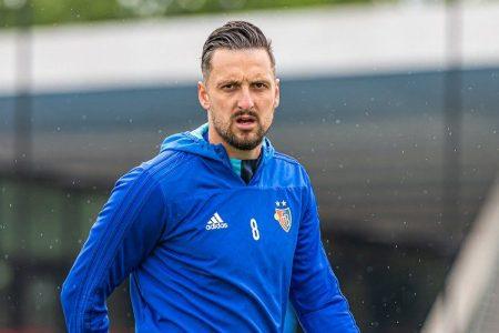 Basilea, infortunio al tendine d'Achille per Zdravko Kuzmanović: operazione necessaria e assenza di diversi mesi