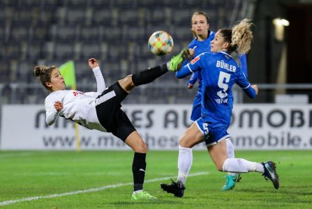 Calcio femminile, in soli quattro minuti due svizzere si prendono la scena: Luana Bühler risponde a Sandrine Mauron