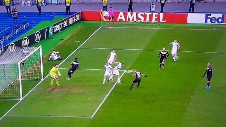 UEL, il Lugano va avanti, soffre, gioca tanto tempo in trincea e viene beffato all'ultimo secondo
