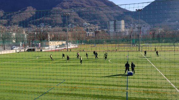 Lugano, riscaldamento su erba naturale e seduta «vera e propria» sul sintetico